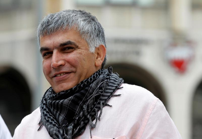 Bahraini human rights activist Nabeel Rajab arrives for his appeal hearing at court in Manama, February 11, 2015. © 2015 Reuters